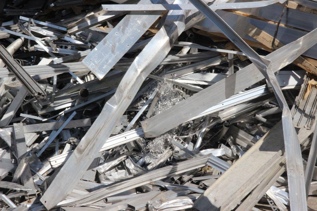 achat et vente d 39 aluminium achat de ferraille lyon metosfer. Black Bedroom Furniture Sets. Home Design Ideas